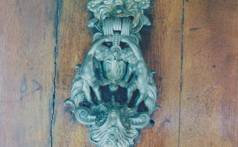 Doorknocker (Bologna 2011)