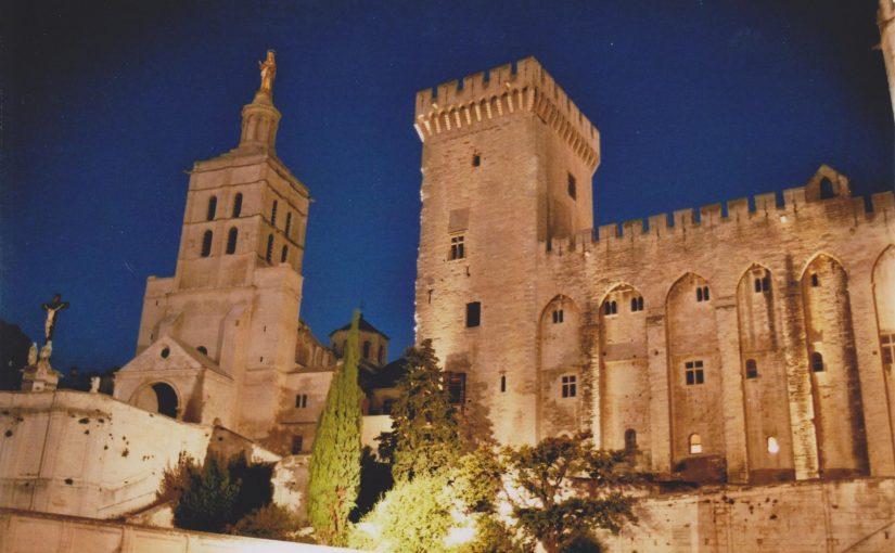 Avignon bei Nacht (Okt. 2014)